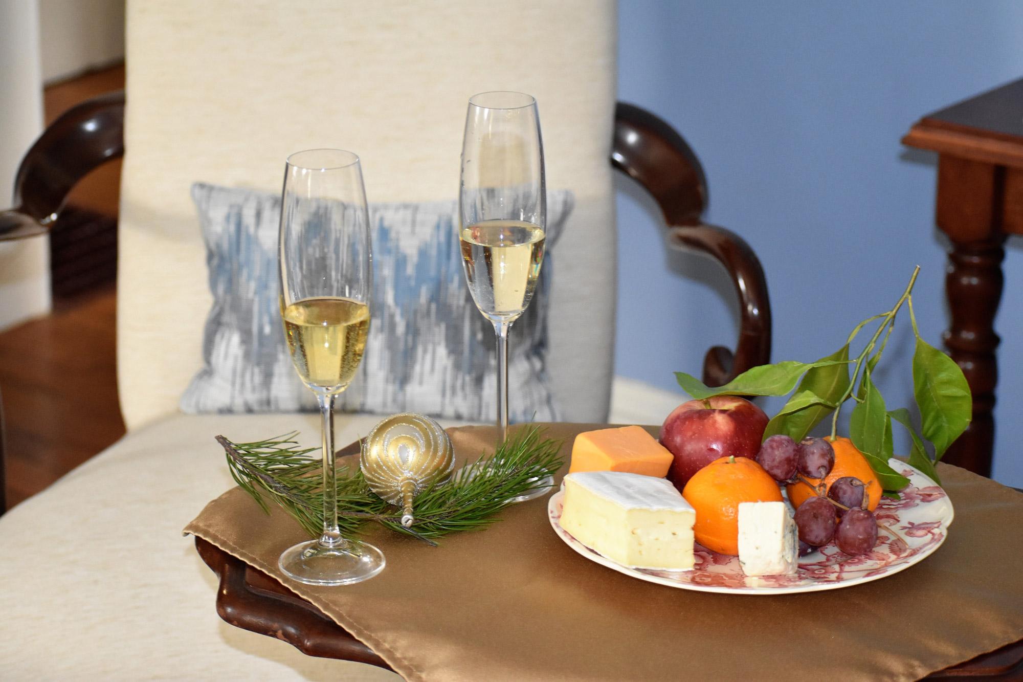 Winter Service Seasonal Fruits and Cheeses